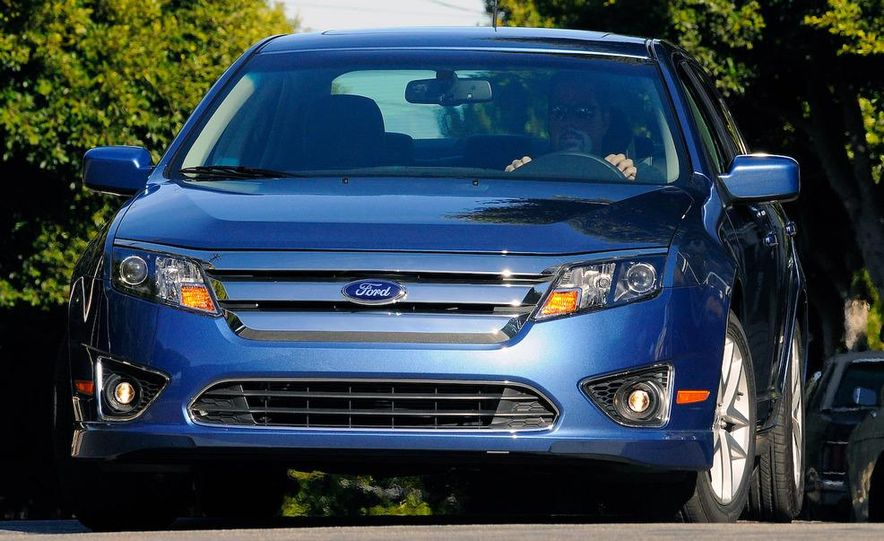 2010 Ford Fusion Sport AWD - Slide 8