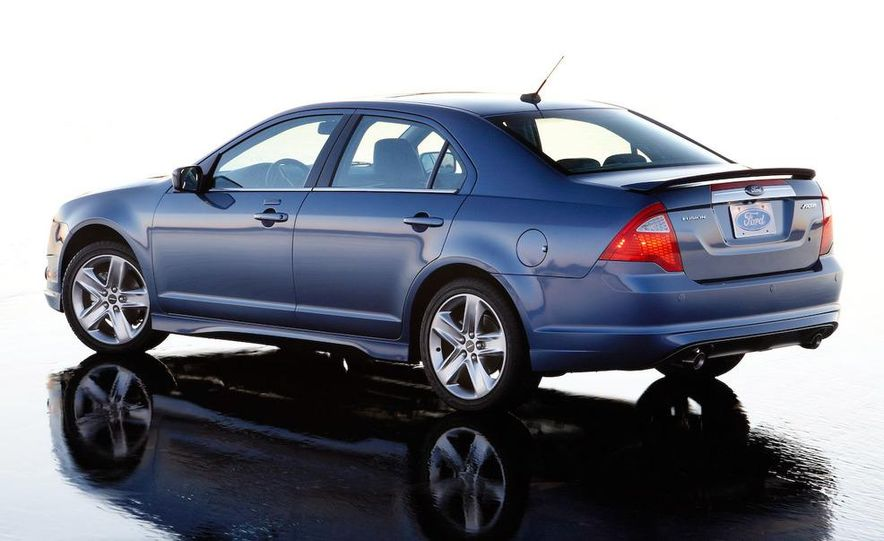 2010 Ford Fusion Sport AWD - Slide 11