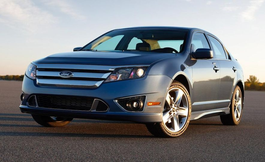2010 Ford Fusion Sport AWD - Slide 12
