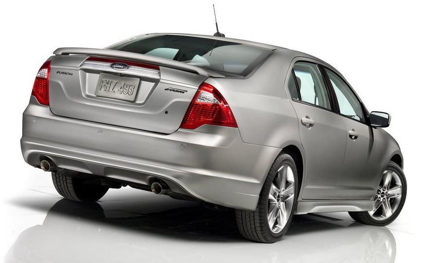 2010 Ford Fusion Sport AWD - Slide 20