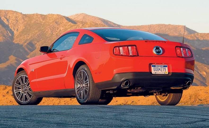 2010 Ford Mustang GT coupe - Slide 21
