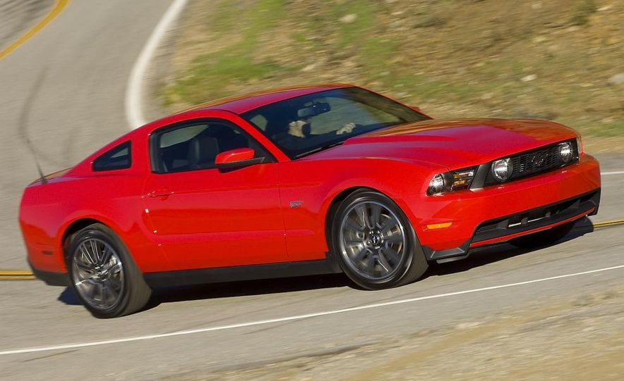 2010 Ford Mustang GT coupe - Slide 27