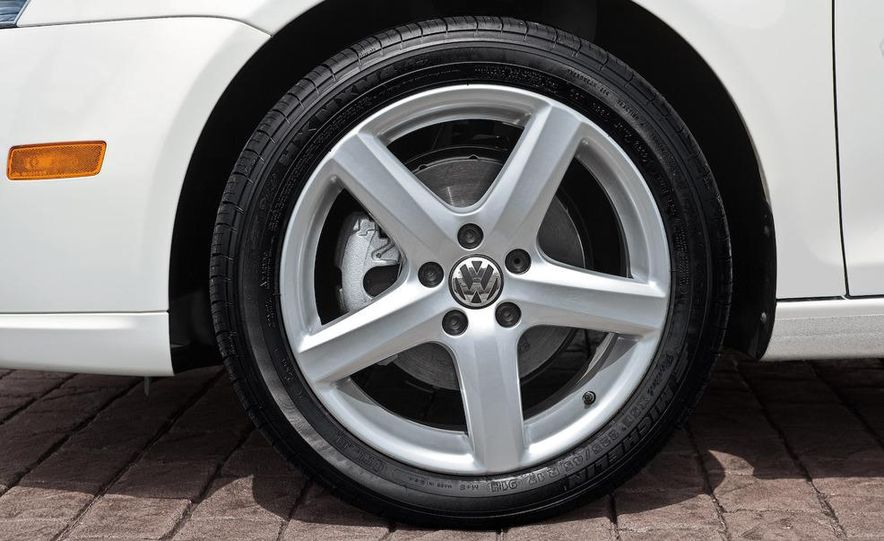2011 Volkswagen Jetta sedan (spy photo) - Slide 15