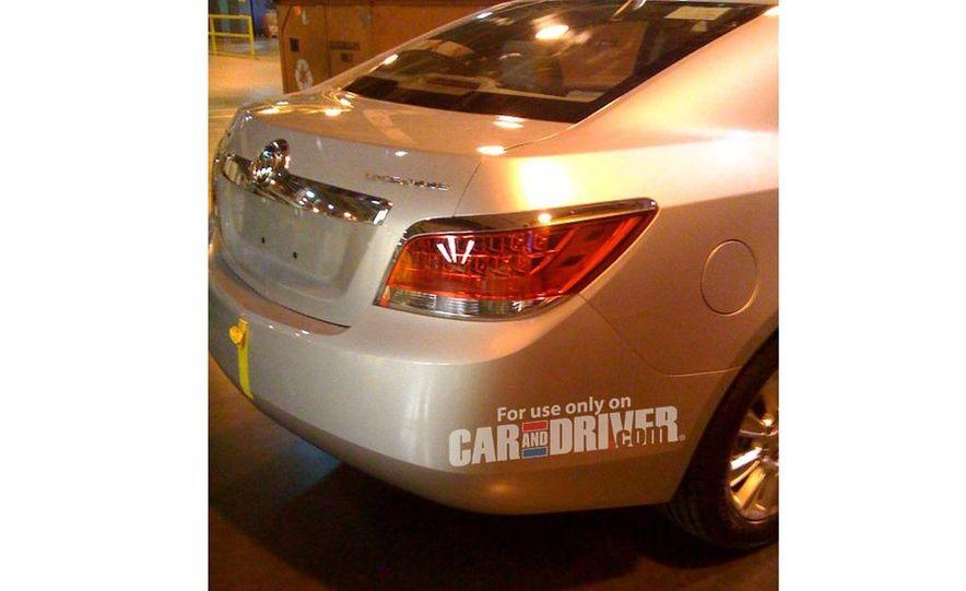 2010 Chevrolet Equinox direct-injected 2.4-liter inline-4 engine - Slide 6