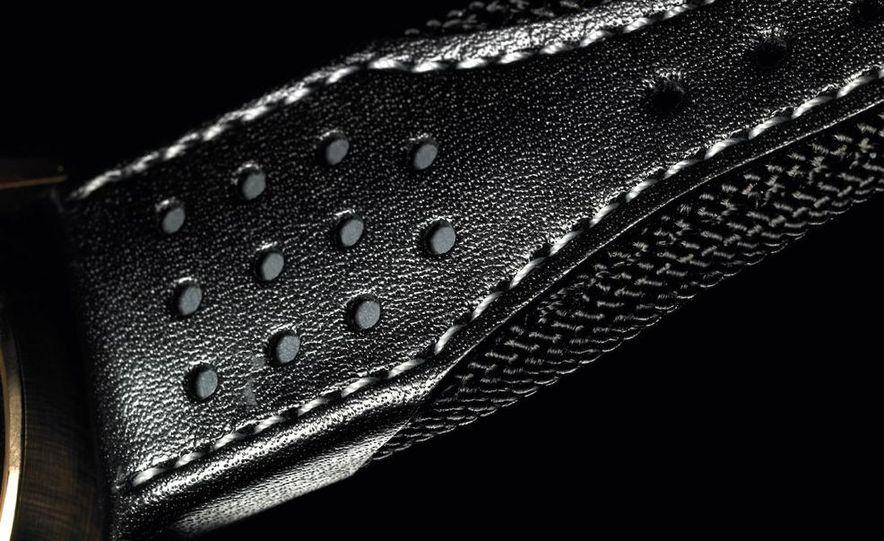 Jaeger-LeCoultre Aston Martin AMVOX2 DBS transponder watch - Slide 6