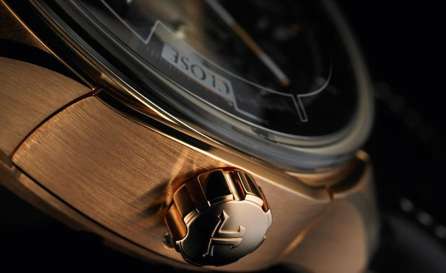 Jaeger-LeCoultre Aston Martin AMVOX2 DBS transponder watch - Slide 4