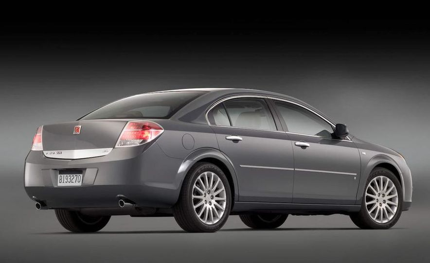 2009 Saturn Aura XR - Slide 2