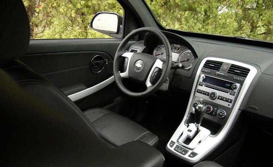 2009 Chevrolet Equinox Sport AWD - Slide 14