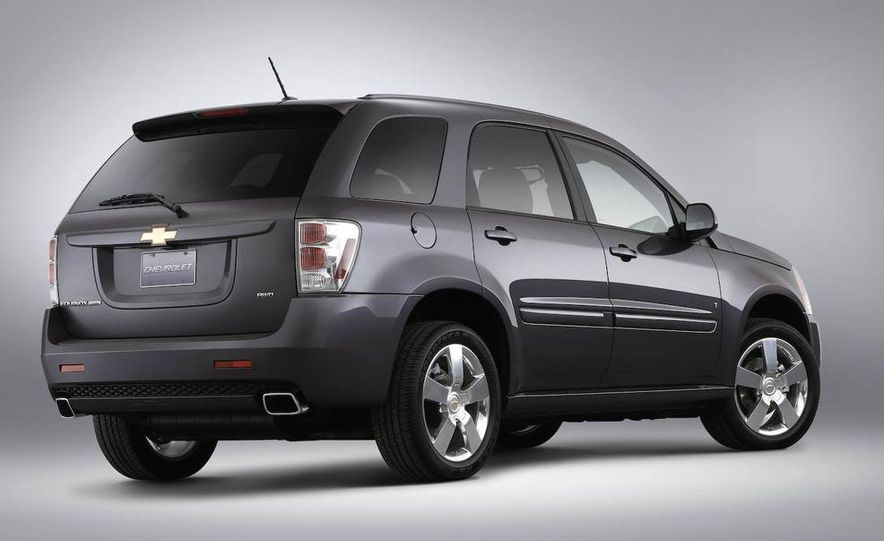 2009 Chevrolet Equinox Sport AWD - Slide 2