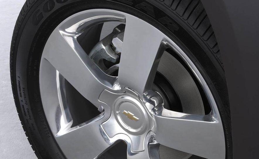 2009 Chevrolet Equinox Sport AWD - Slide 11
