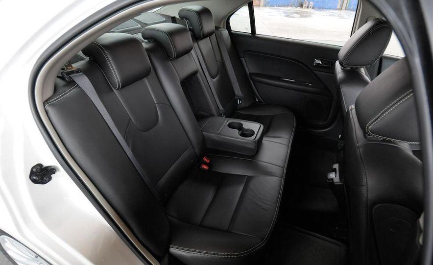 2010 Ford Fusion hybrid interior - Slide 1