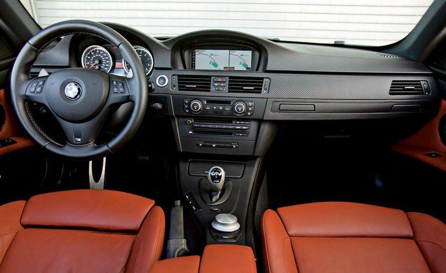 2009 BMW M3 steering-wheel-mounted paddle shifter - Slide 13