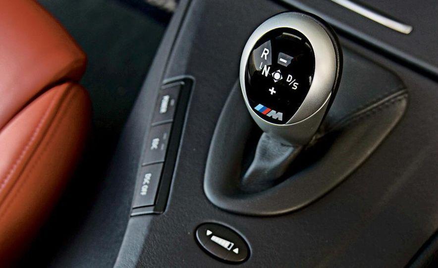 2009 BMW M3 steering-wheel-mounted paddle shifter - Slide 17