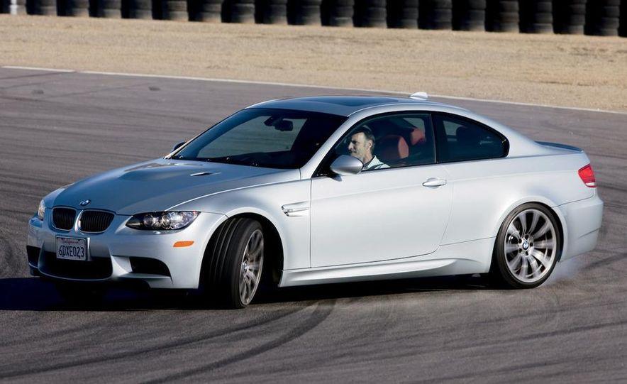 2009 BMW M3 steering-wheel-mounted paddle shifter - Slide 23