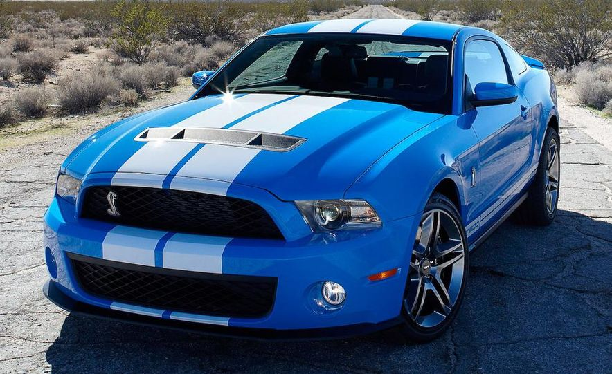 2010 Ford Mustang Shelby GT500 coupe - Slide 8