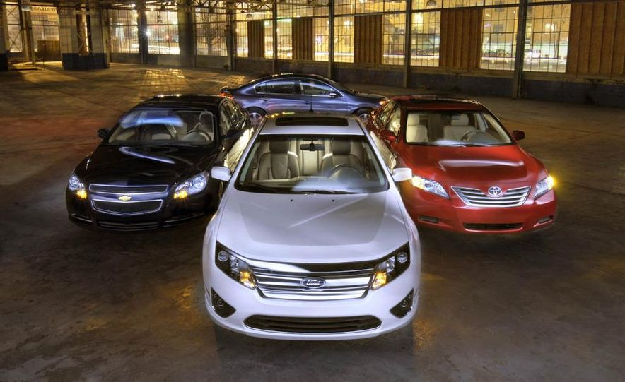 2010 Ford Fusion hybrid, 2009 Chevrolet Malibu hybrid, 2009 Toyota Camry hybrid, and 2009 Nissan Altima hybrid - Slide 10