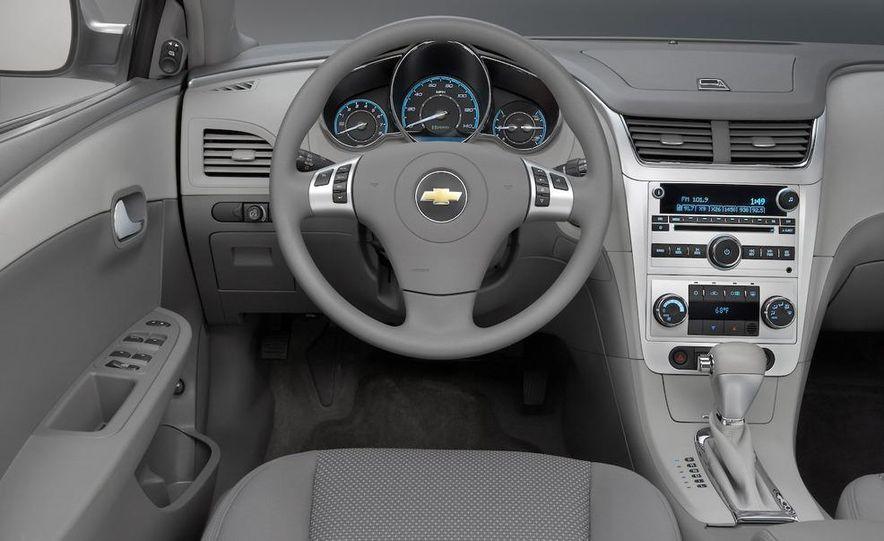 2010 Ford Fusion hybrid, 2009 Chevrolet Malibu hybrid, 2009 Toyota Camry hybrid, and 2009 Nissan Altima hybrid - Slide 64