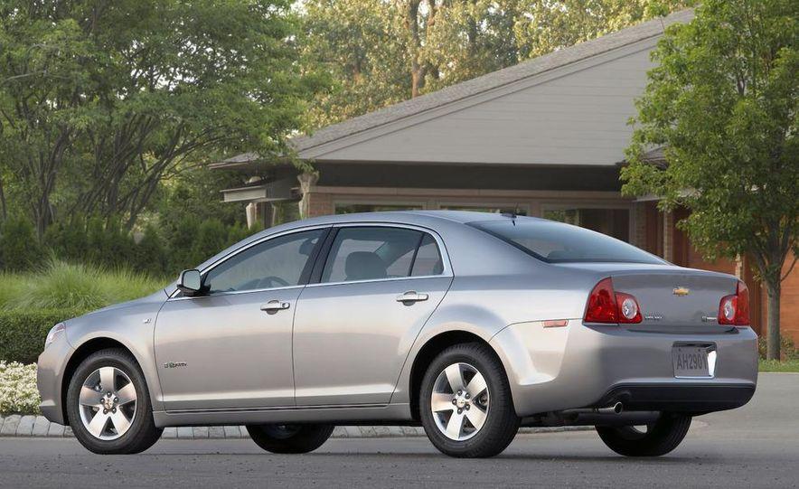2010 Ford Fusion hybrid, 2009 Chevrolet Malibu hybrid, 2009 Toyota Camry hybrid, and 2009 Nissan Altima hybrid - Slide 44