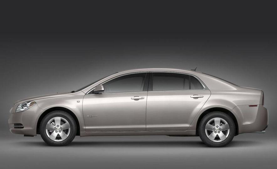 2010 Ford Fusion hybrid, 2009 Chevrolet Malibu hybrid, 2009 Toyota Camry hybrid, and 2009 Nissan Altima hybrid - Slide 47