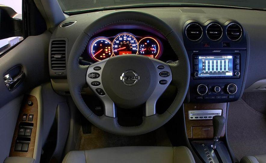 2010 Ford Fusion hybrid, 2009 Chevrolet Malibu hybrid, 2009 Toyota Camry hybrid, and 2009 Nissan Altima hybrid - Slide 75