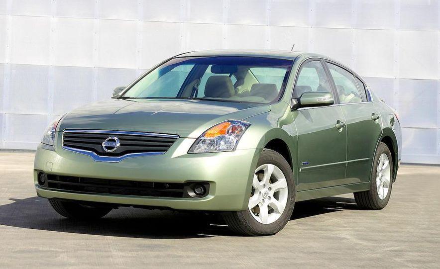 2010 Ford Fusion hybrid, 2009 Chevrolet Malibu hybrid, 2009 Toyota Camry hybrid, and 2009 Nissan Altima hybrid - Slide 71