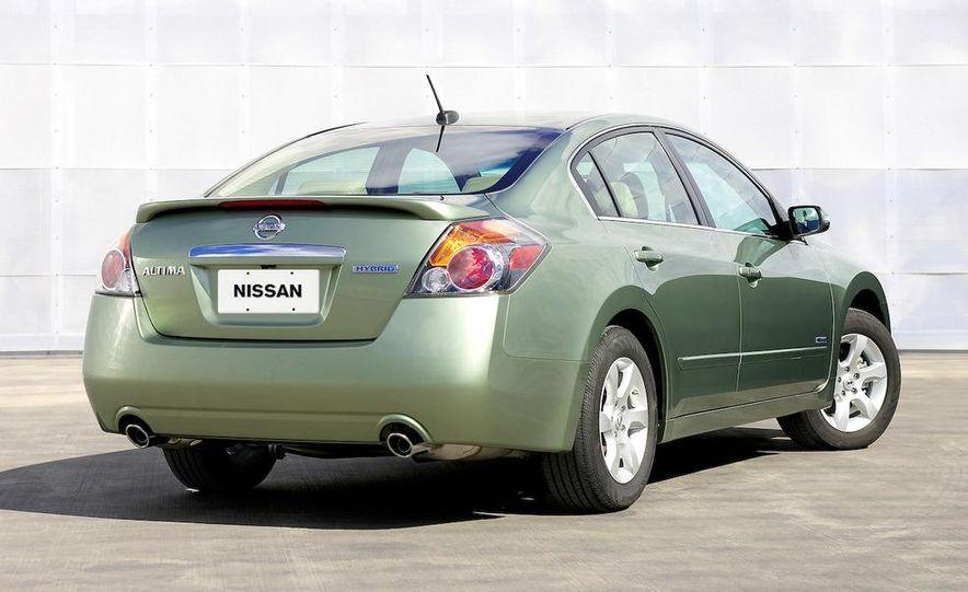 2010 Ford Fusion hybrid, 2009 Chevrolet Malibu hybrid, 2009 Toyota Camry hybrid, and 2009 Nissan Altima hybrid - Slide 72