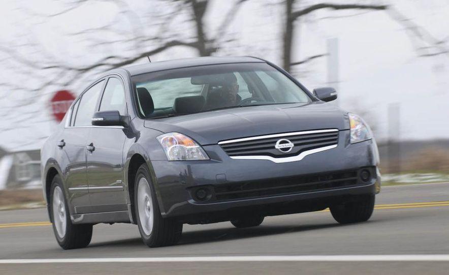 2010 Ford Fusion hybrid, 2009 Chevrolet Malibu hybrid, 2009 Toyota Camry hybrid, and 2009 Nissan Altima hybrid - Slide 28