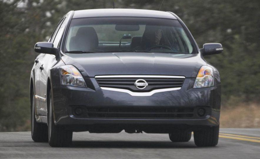 2010 Ford Fusion hybrid, 2009 Chevrolet Malibu hybrid, 2009 Toyota Camry hybrid, and 2009 Nissan Altima hybrid - Slide 30