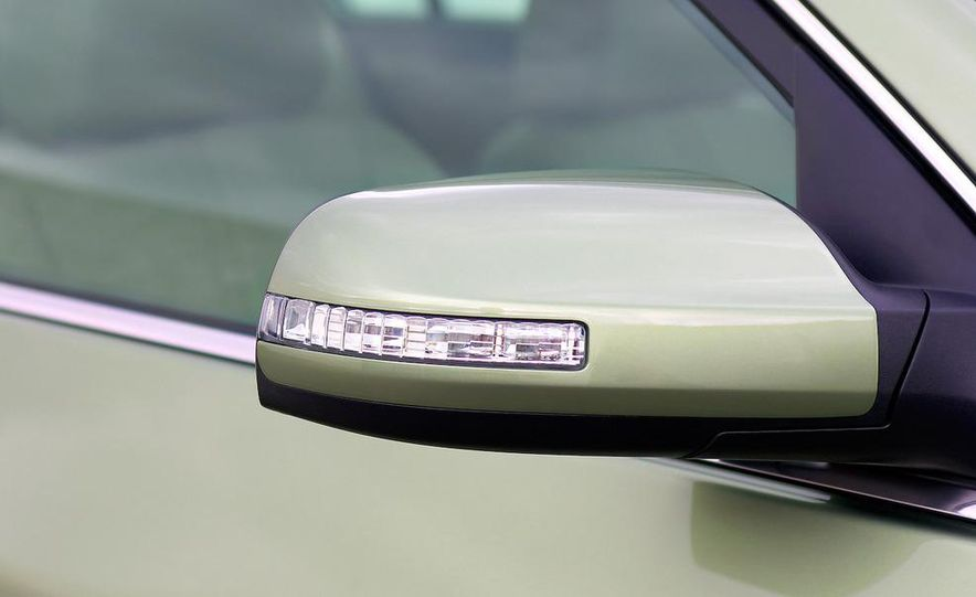 2010 Ford Fusion hybrid, 2009 Chevrolet Malibu hybrid, 2009 Toyota Camry hybrid, and 2009 Nissan Altima hybrid - Slide 73