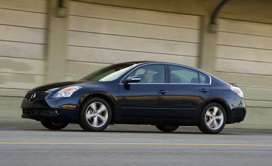 2010 Ford Fusion hybrid, 2009 Chevrolet Malibu hybrid, 2009 Toyota Camry hybrid, and 2009 Nissan Altima hybrid - Slide 85