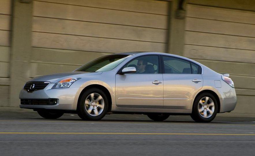 2010 Ford Fusion hybrid, 2009 Chevrolet Malibu hybrid, 2009 Toyota Camry hybrid, and 2009 Nissan Altima hybrid - Slide 86