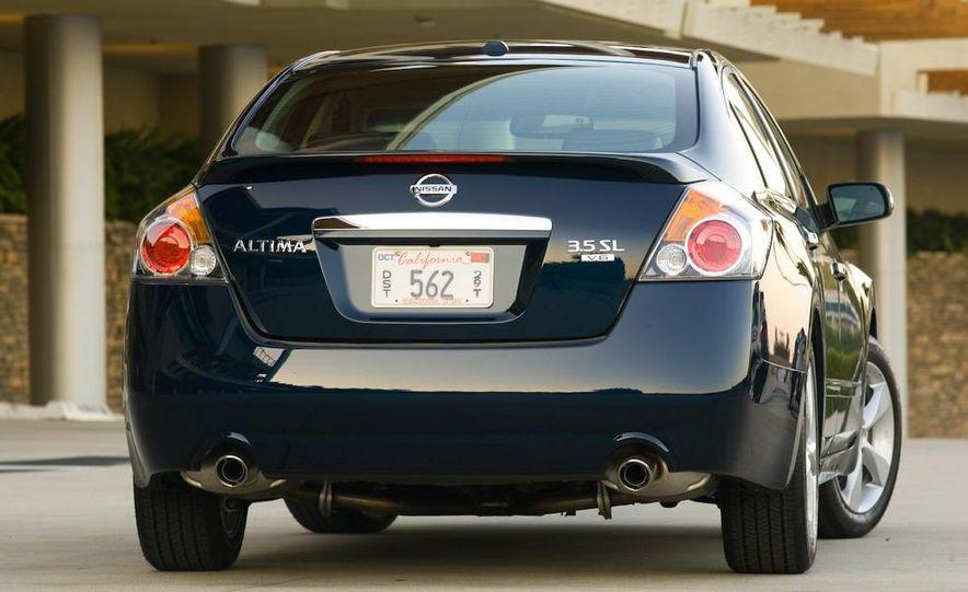 2010 Ford Fusion hybrid, 2009 Chevrolet Malibu hybrid, 2009 Toyota Camry hybrid, and 2009 Nissan Altima hybrid - Slide 101