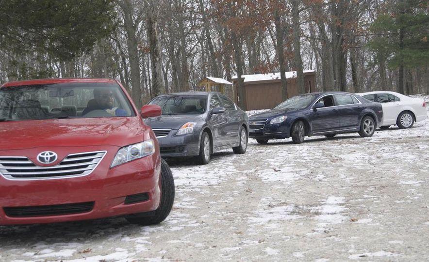 2010 Ford Fusion hybrid, 2009 Chevrolet Malibu hybrid, 2009 Toyota Camry hybrid, and 2009 Nissan Altima hybrid - Slide 13