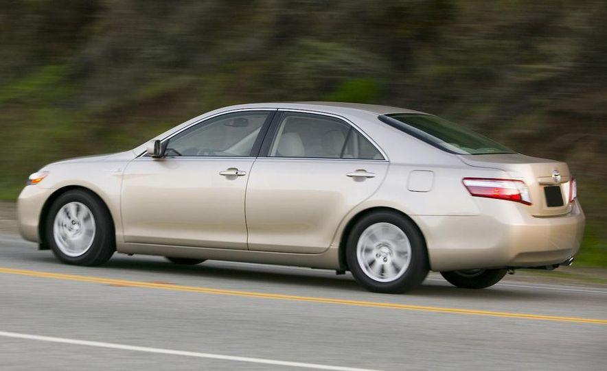 2010 Ford Fusion hybrid, 2009 Chevrolet Malibu hybrid, 2009 Toyota Camry hybrid, and 2009 Nissan Altima hybrid - Slide 108