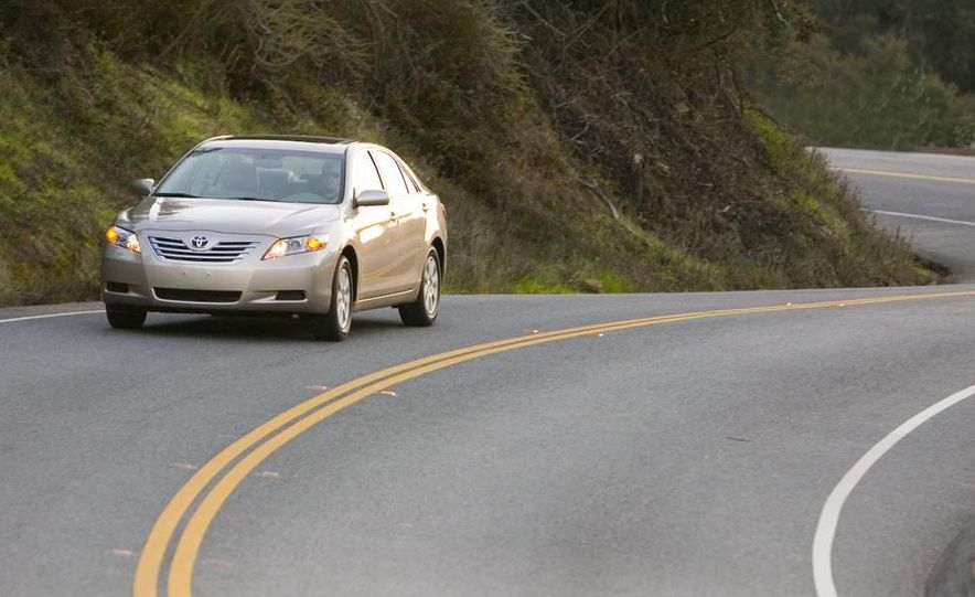 2010 Ford Fusion hybrid, 2009 Chevrolet Malibu hybrid, 2009 Toyota Camry hybrid, and 2009 Nissan Altima hybrid - Slide 109