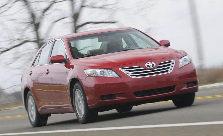 2010 Ford Fusion hybrid, 2009 Chevrolet Malibu hybrid, 2009 Toyota Camry hybrid, and 2009 Nissan Altima hybrid - Slide 21