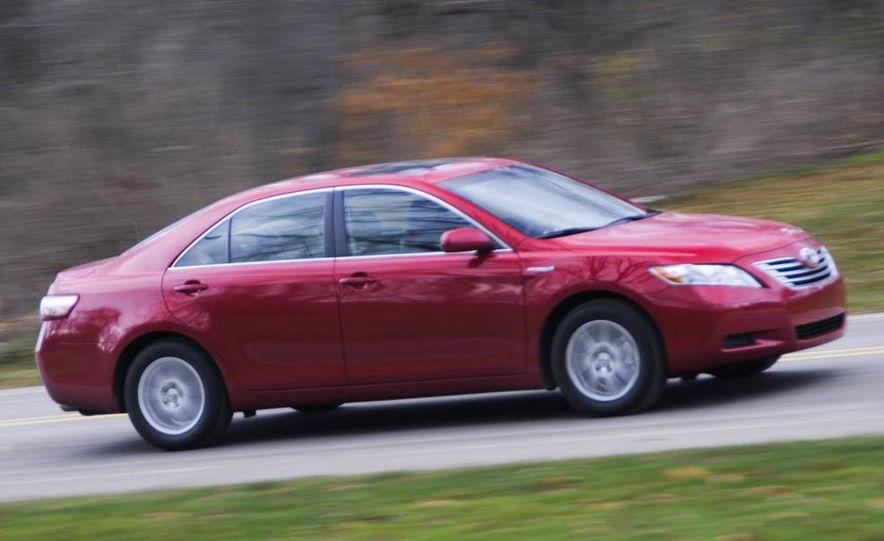 2010 Ford Fusion hybrid, 2009 Chevrolet Malibu hybrid, 2009 Toyota Camry hybrid, and 2009 Nissan Altima hybrid - Slide 26