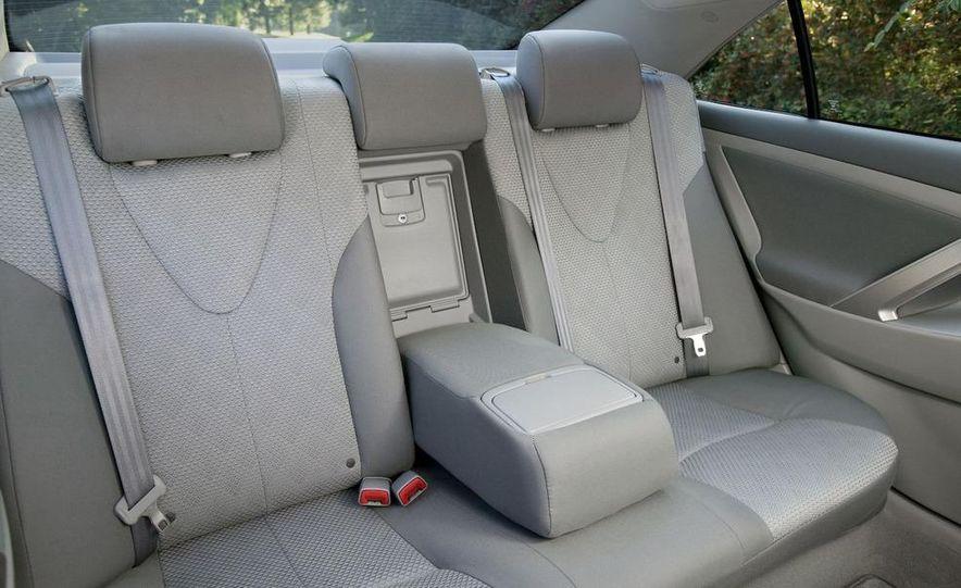 2010 Ford Fusion hybrid, 2009 Chevrolet Malibu hybrid, 2009 Toyota Camry hybrid, and 2009 Nissan Altima hybrid - Slide 94