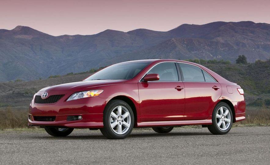 2010 Ford Fusion hybrid, 2009 Chevrolet Malibu hybrid, 2009 Toyota Camry hybrid, and 2009 Nissan Altima hybrid - Slide 90