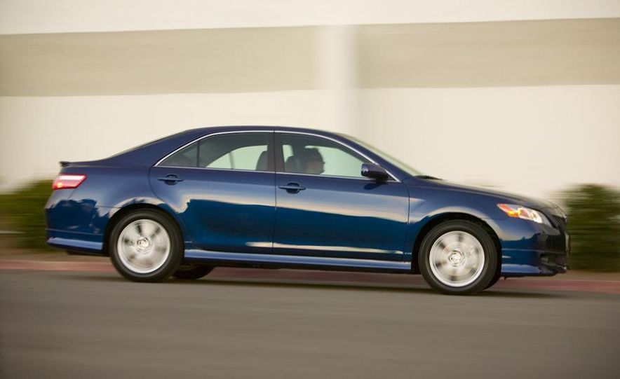 2010 Ford Fusion hybrid, 2009 Chevrolet Malibu hybrid, 2009 Toyota Camry hybrid, and 2009 Nissan Altima hybrid - Slide 96