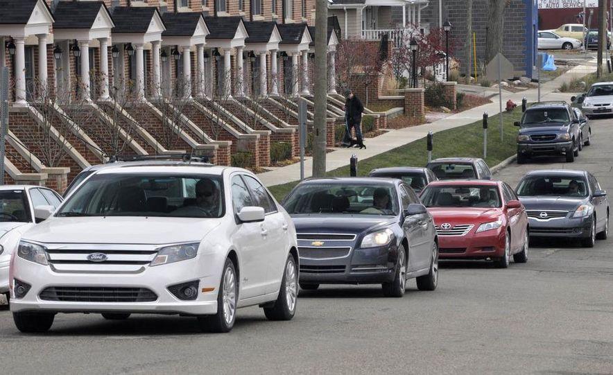 2010 Ford Fusion hybrid, 2009 Chevrolet Malibu hybrid, 2009 Toyota Camry hybrid, and 2009 Nissan Altima hybrid - Slide 5