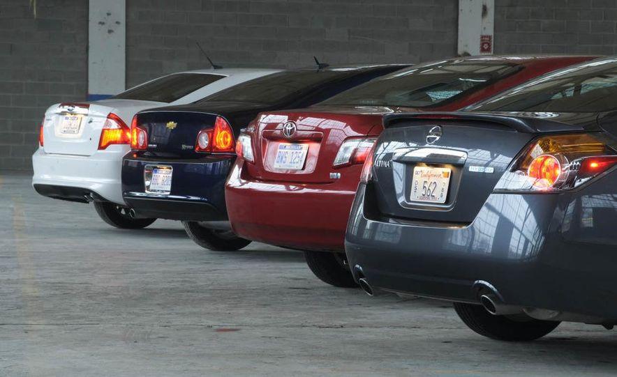 2010 Ford Fusion hybrid, 2009 Chevrolet Malibu hybrid, 2009 Toyota Camry hybrid, and 2009 Nissan Altima hybrid - Slide 8