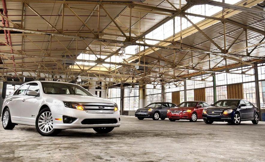 2010 Ford Fusion hybrid, 2009 Chevrolet Malibu hybrid, 2009 Toyota Camry hybrid, and 2009 Nissan Altima hybrid - Slide 6