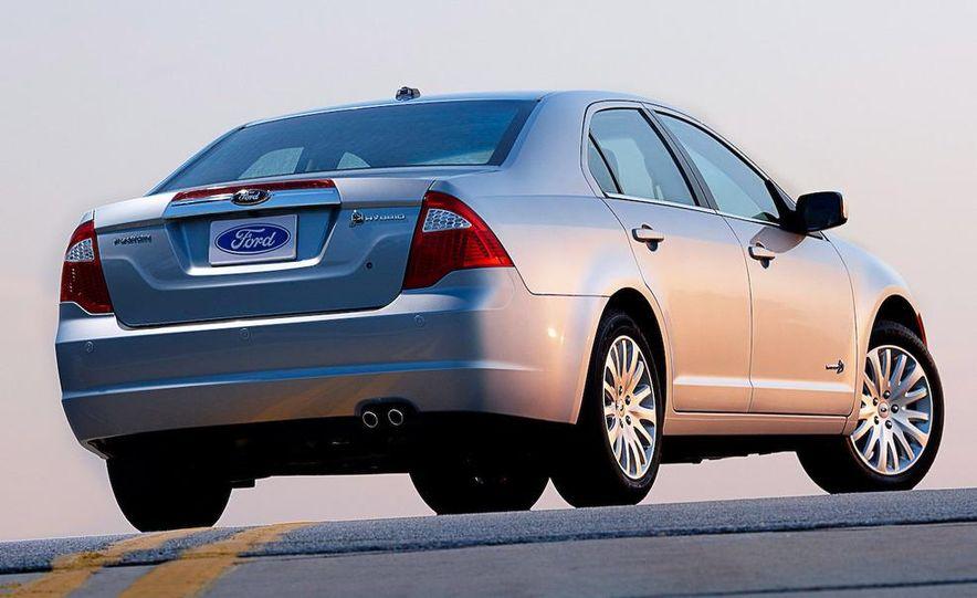 2010 Ford Fusion hybrid, 2009 Chevrolet Malibu hybrid, 2009 Toyota Camry hybrid, and 2009 Nissan Altima hybrid - Slide 40