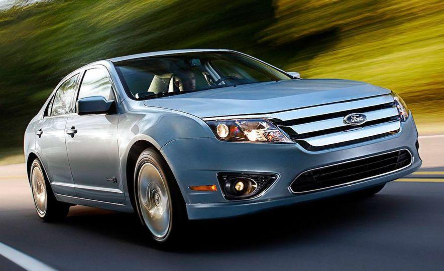 2010 Ford Fusion hybrid, 2009 Chevrolet Malibu hybrid, 2009 Toyota Camry hybrid, and 2009 Nissan Altima hybrid - Slide 70