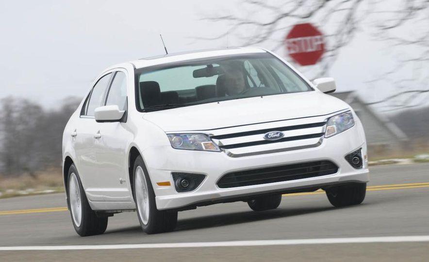 2010 Ford Fusion hybrid, 2009 Chevrolet Malibu hybrid, 2009 Toyota Camry hybrid, and 2009 Nissan Altima hybrid - Slide 14