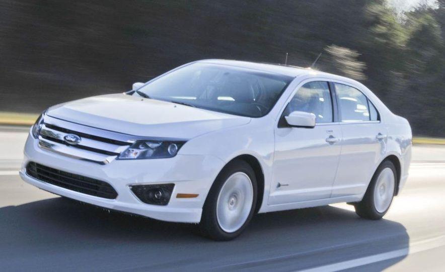2010 Ford Fusion hybrid, 2009 Chevrolet Malibu hybrid, 2009 Toyota Camry hybrid, and 2009 Nissan Altima hybrid - Slide 16