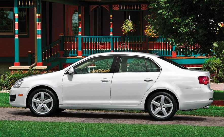 2009 Volkswagen Jetta 2.5 sedan - Slide 5