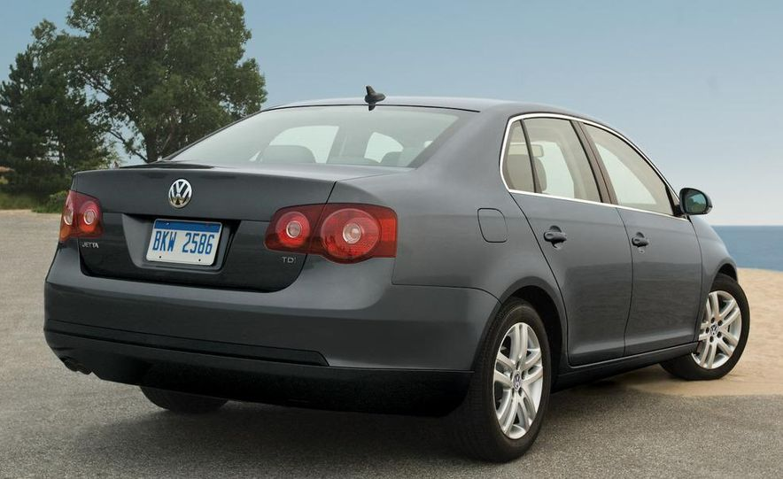 2009 Volkswagen Jetta 2.5 sedan - Slide 25
