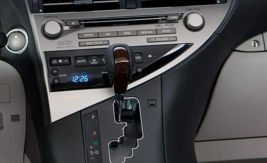 2010 Lexus RX350 - Slide 12